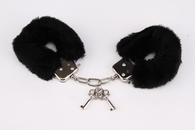 Покупка наручников в интернет-магазине intimshop.ru